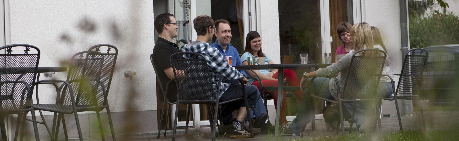Eine gemütliche Runde auf der Terrasse
